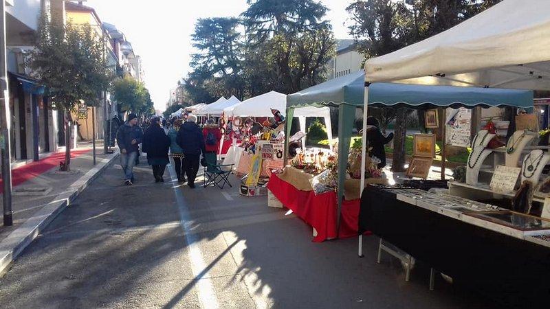 Domani ad aprilia torna il mercatino in piazza roma - Mercatino usato aprilia ...