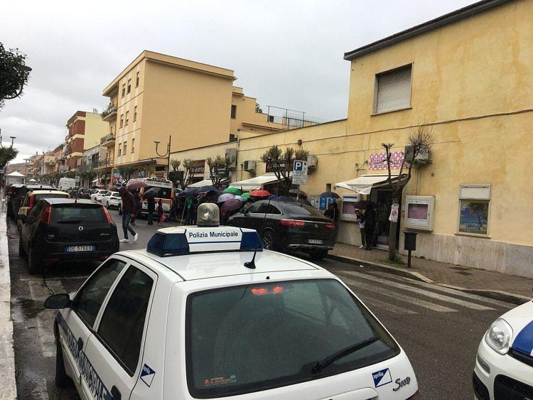 Giordana Angi alla libreria Mondadori di Aprilia, traffico ...